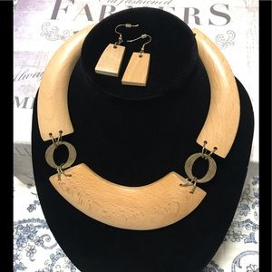 Stunning Wood Necklace with Earrings